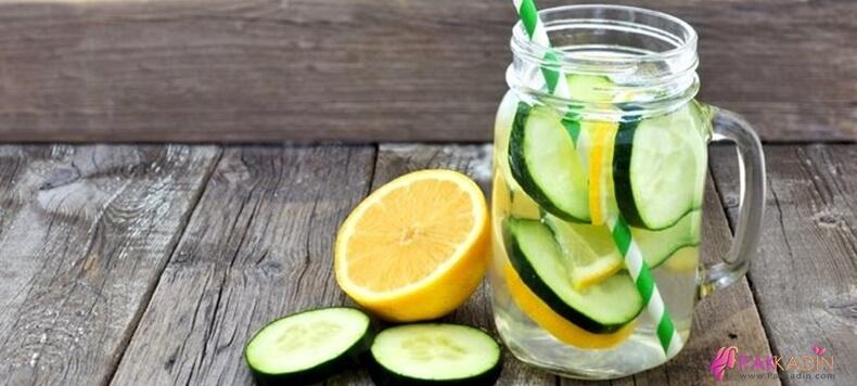 Cilt Beyazlatmak İçin Salatalık Suyu Ve Limon Suyu Maskesi