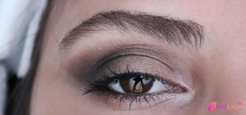 Kahverengi Gözler İçin Dumanlı Göz Makyajı